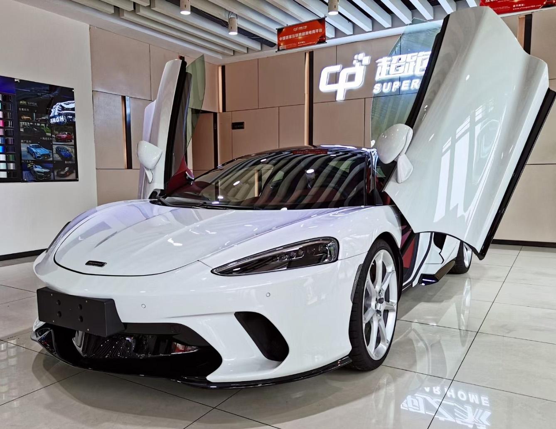 迈凯伦GT白色2021年09月