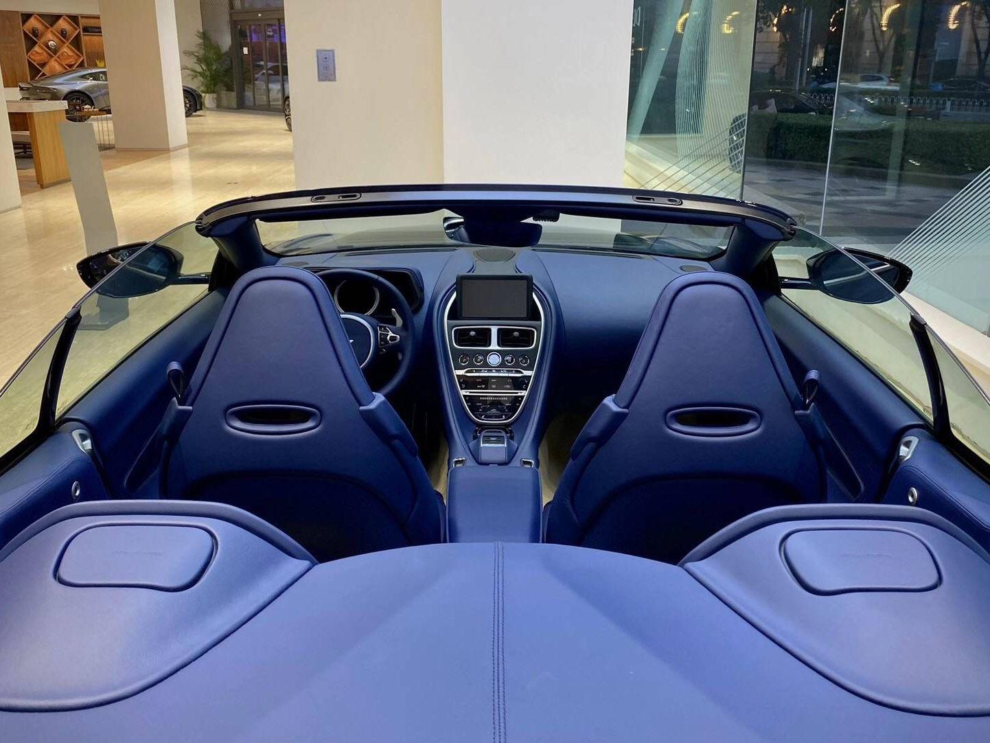 阿斯顿马丁DB11 2020款V8 Volante