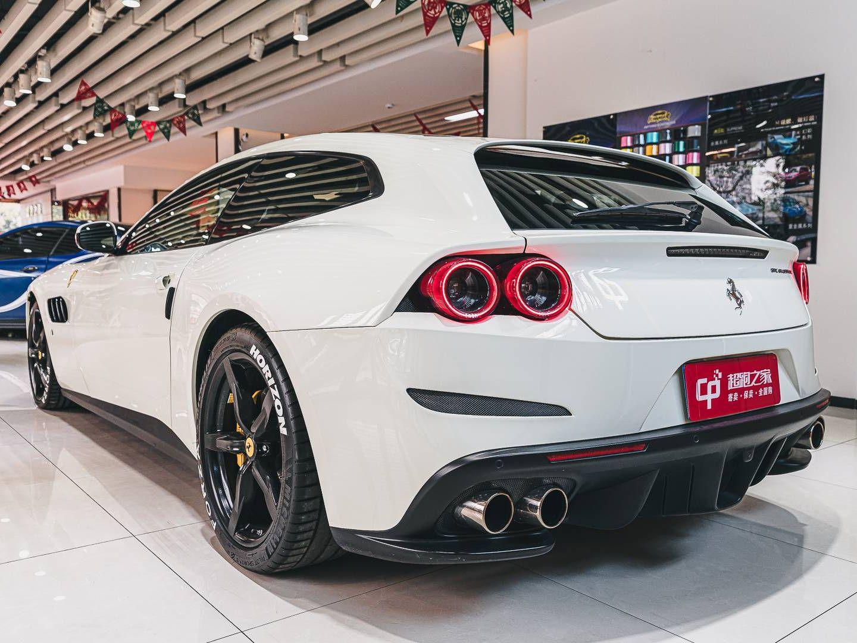 法拉利 GTC4Lusso T
