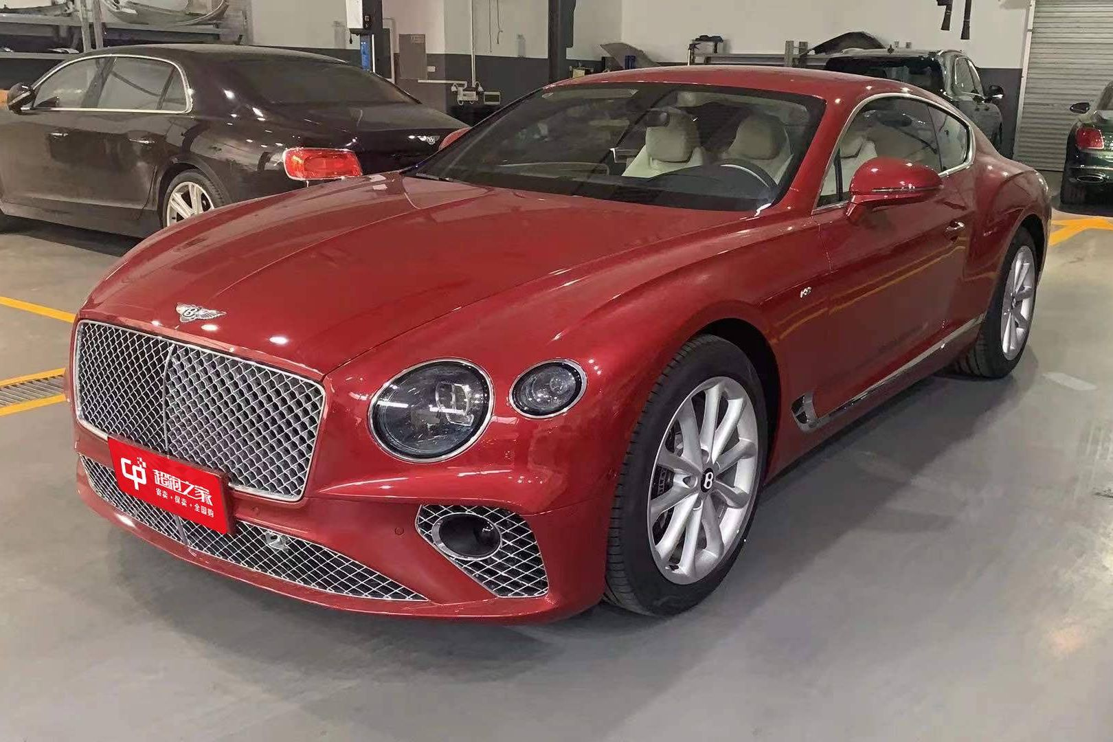 宾利欧陆GT红色2021年01月