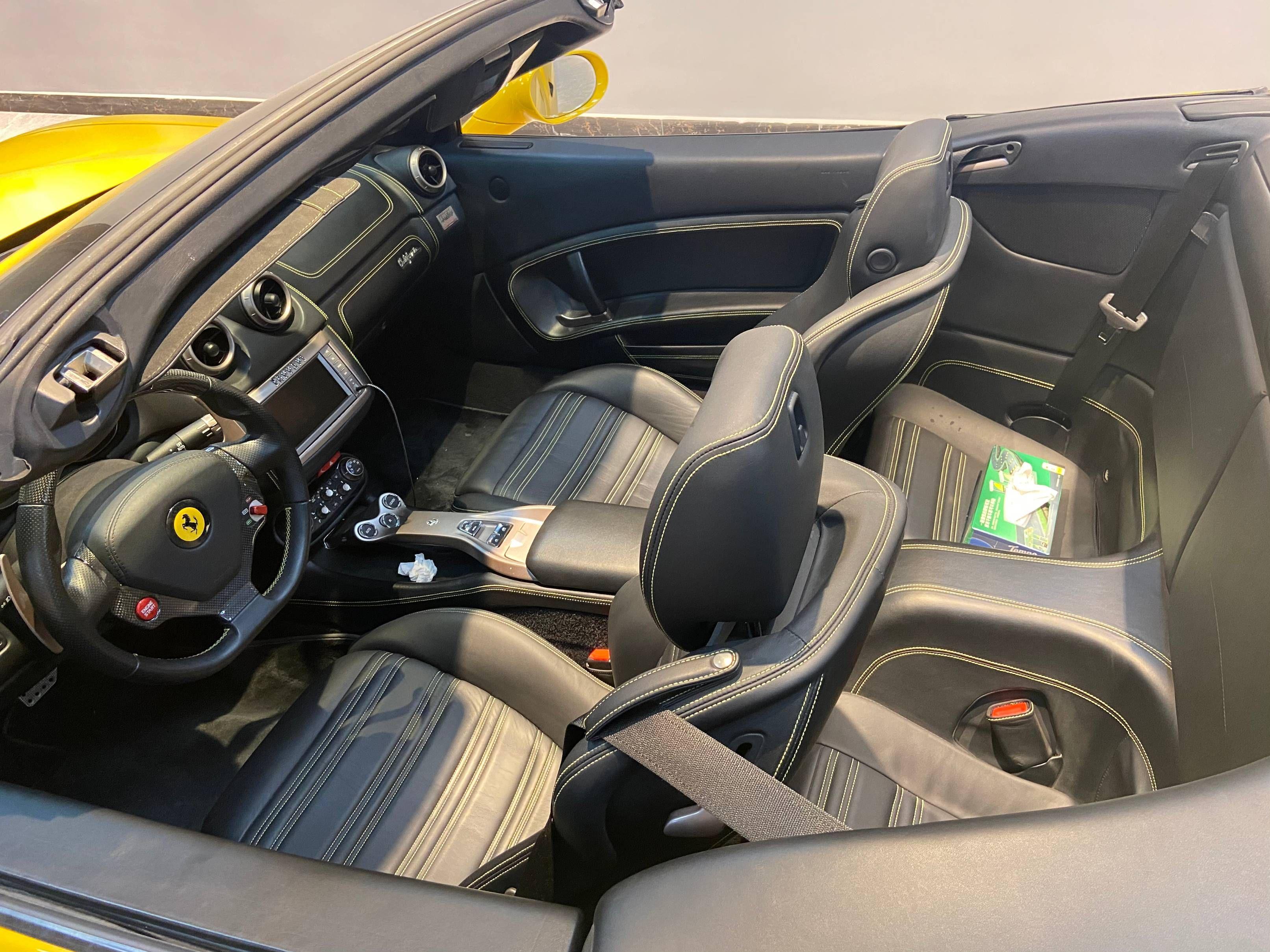 法拉利 California 2012款 4.3L 标准型