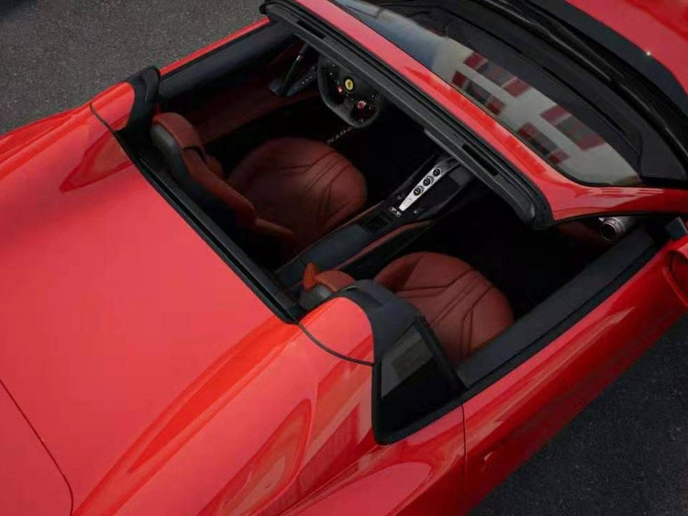 法拉利 812 GTS