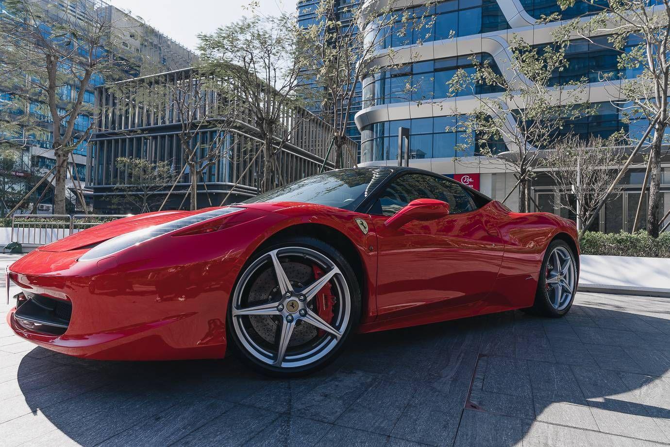 法拉利458红色2011年06月