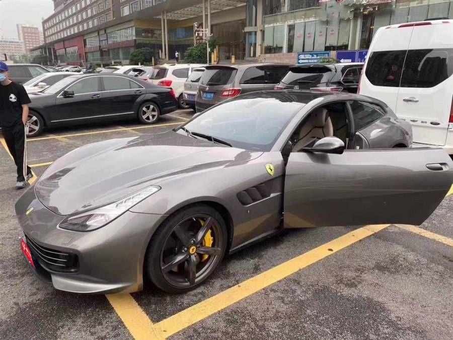 法拉利 GTC4 Lusso 6.3L 12V