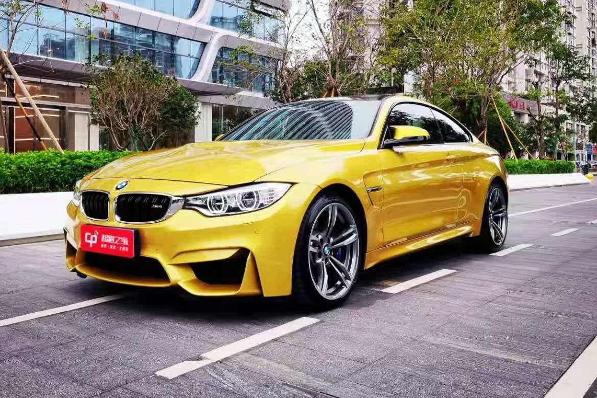 宝马M4黄色2019年01月