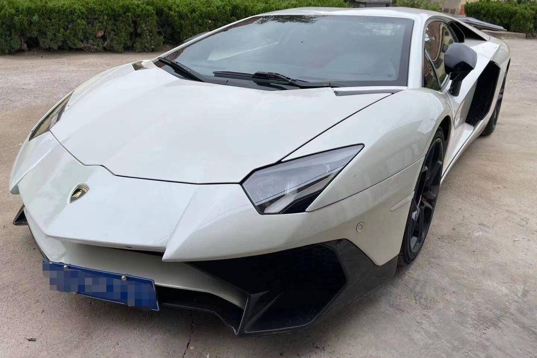 兰博基尼Aventador白色2012年01月
