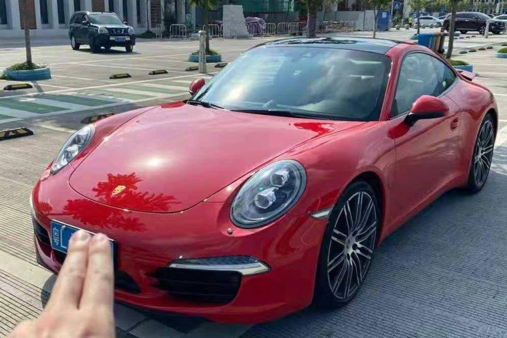 保时捷911红色2016年03月