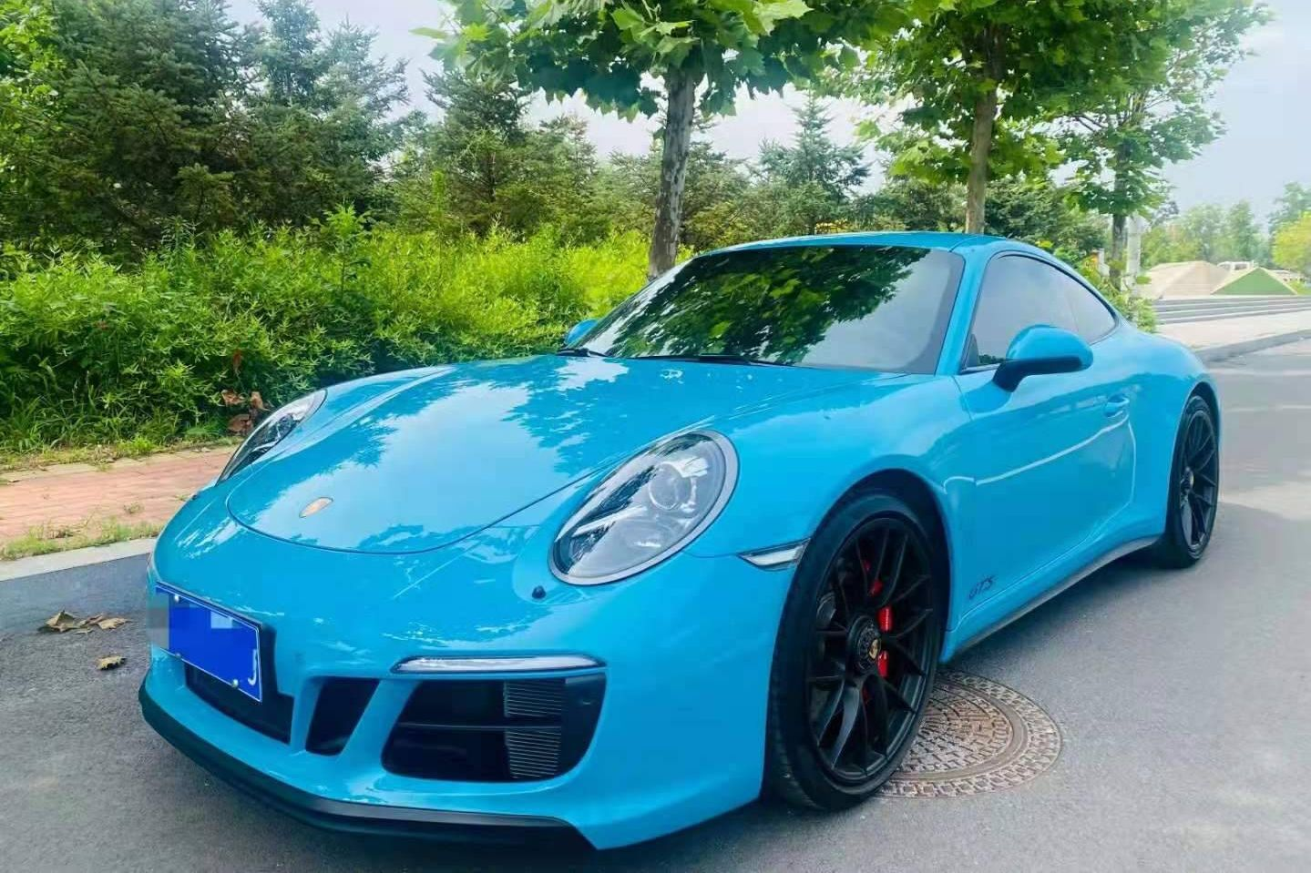 保时捷911蓝色2019年01月