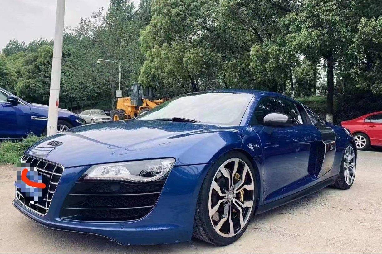 奥迪R8蓝色2013年09月