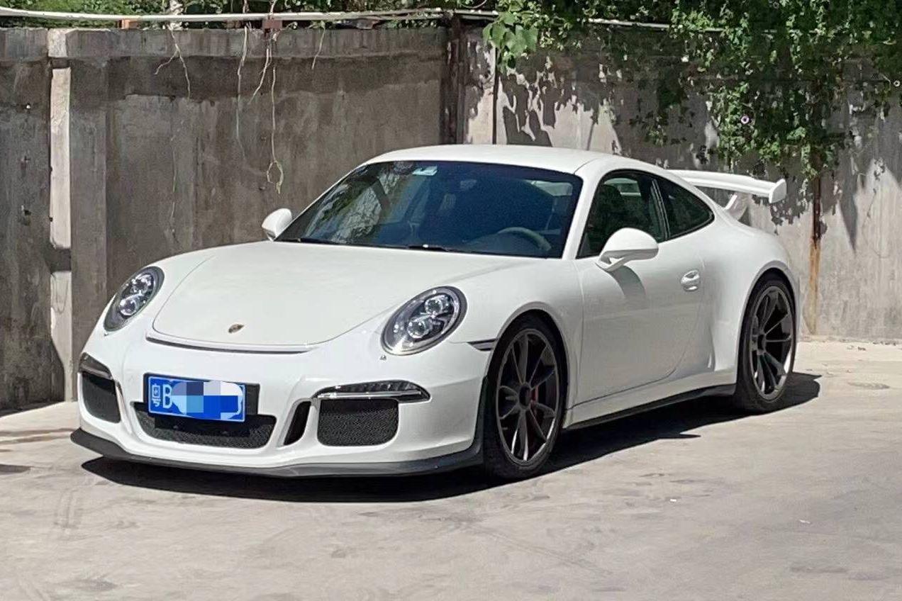 保时捷911白色2015年04月