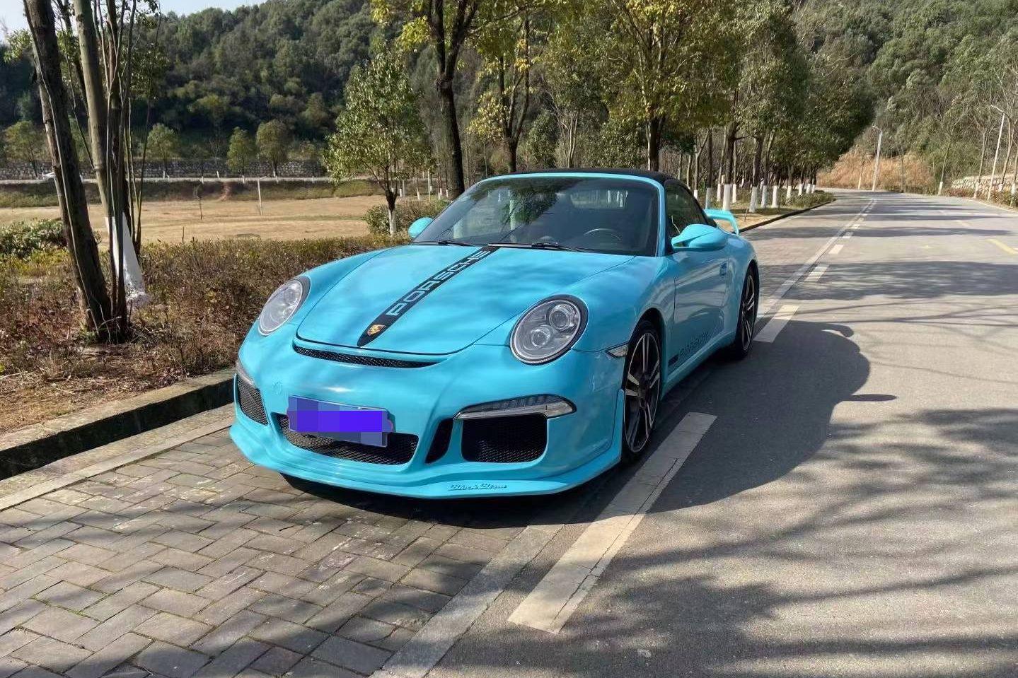 保时捷911蓝色2011年01月